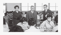 In 1962, Their Majesties the Emperor and Empress Showa visited Fukui Murata Manufacturing Co., Ltd.